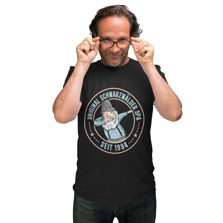 schwarzwald t-shirt - original schwarzwaelder opa mit einem dubbing opa mit hosentraegern