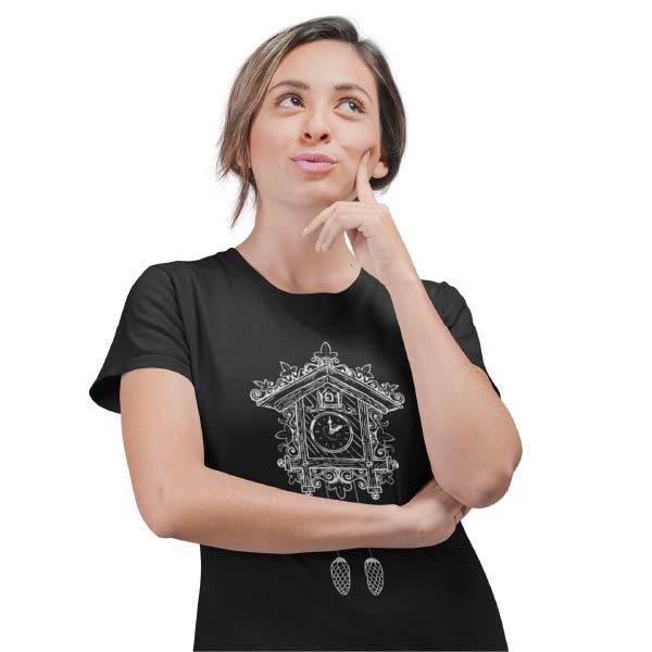 schwarzes frauen t-shirt auf dem eine kuckucksuhr mit der aufschrift hashtag i love schwarzwald steht