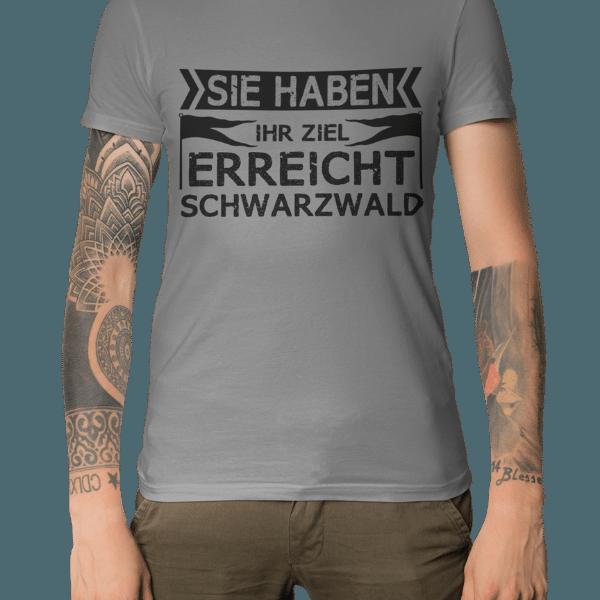 mann-mit-tatoos-mit-grauem-t-shirt-motiv-sie-haben-ihr-ziel-erreicht
