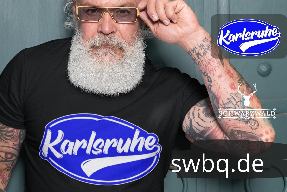 mann mit bart und brille mit schwarzem tshirt mit aufdruck Karlsruhe