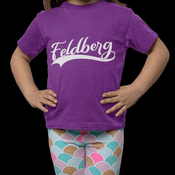 maedchen mit lili t-shirt mit motiv feldberg