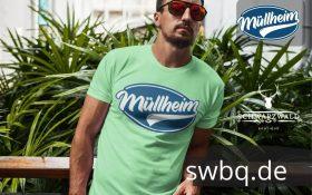 mann mit sonnenbrille und hellgruenem t-shirt mit logo muellheim
