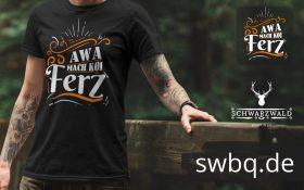 mann auf einer bruecke im national park mit einem schwarzen t-shirt mit mach koi ferz design
