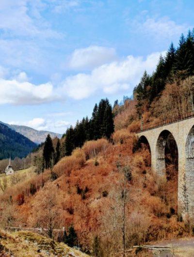 Viadukt über die ravennaschlucht im hoellental